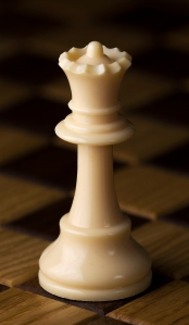 Chess_piece_-_White_queen