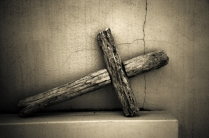 wooden-cross-weathered